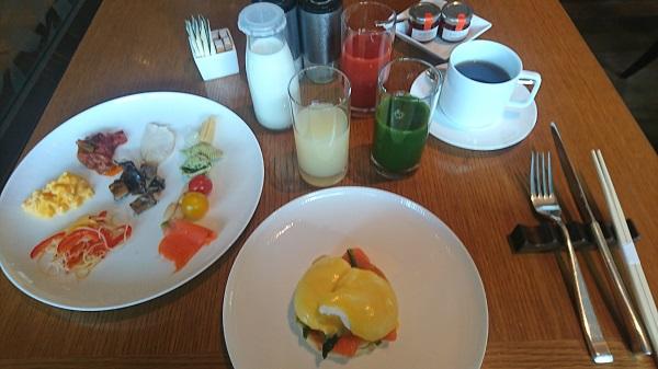 palacehoteltokyo buffet.JPG