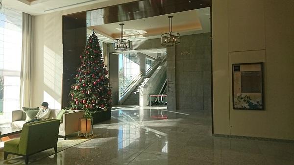 palacehoteltokyo lobby2.JPG